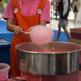 People are making cotton candy